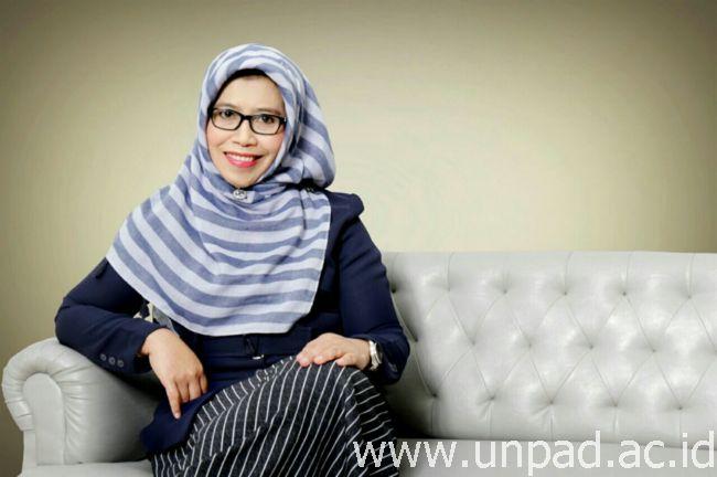 Daftar Professor Prof. Henny Suzana Mediani